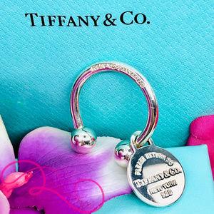 NWOT T&Co. Return to Tiffany Round Tag Key Ring